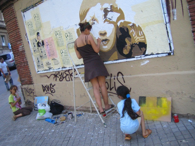 BTOY working on a mural in Barcelona (photo by Dr Case, Flickr Creative Commons, July 3, 2008)