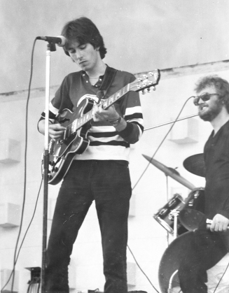 De Keyzer performing with the Canadian blues musician and harmonica player King Biscuit Boy in 1976