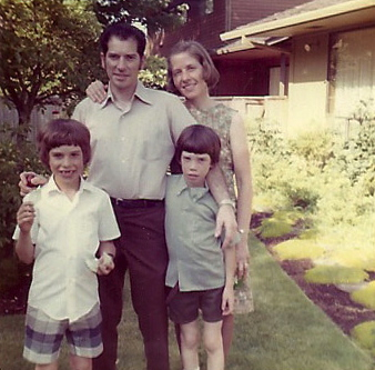 Bruce Conkle (right)  with his parents and brother in 1969
