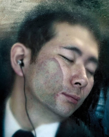 """""""#33, Tokyo Compression"""" by German artist and photographer Michael Wolf, from the 2015 show """"Subway"""" at the Stephen Bulger Gallery (2010 © Michael Wolf / Courtesy of Gallery Fifty One)"""