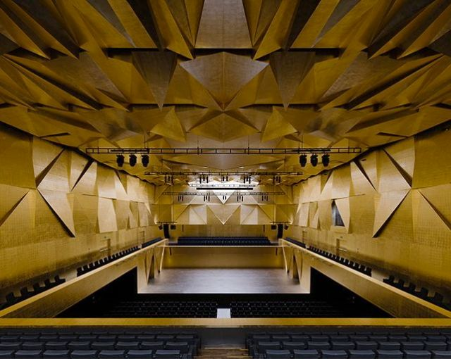 The auditorium of Szczecin Philharmonic Hall (photo courtesy of B/V)