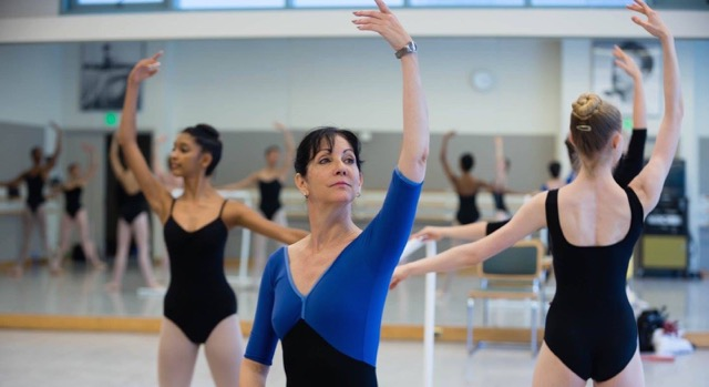Cynthia Harvey coaching a master class through the En Avant Foundation, which she created in 2013 to provide scholarships and master classes for ballet students (photo by Eric Tomesson@SFBS)