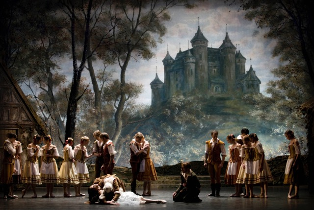A production of Giselle staged by Cynthia Harvey for the Norwegian National Ballet in Oslo (photo by Erik Berg)