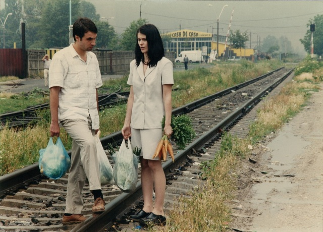 Alexandru Papadopol and Anca Androne in Cristian Mungiu's 2002 film Occident (photo courtesy of Mobra Films)