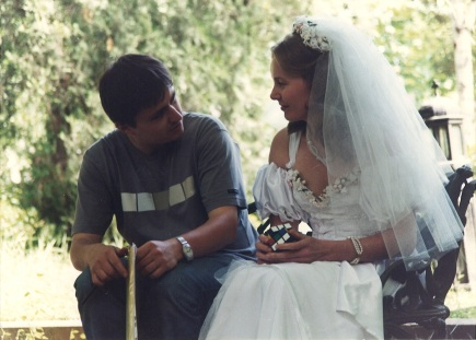 Cristian Mungiu with actress Tania Popa on the set of his first feature, <em>Occident</em>(2002) (photo courtesy of Mobra Films)