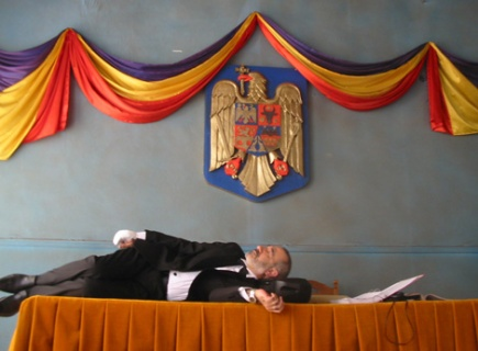 Still from <em>Offset</em> (2006), directed by Didi Danquart, which was associate-produced by Mobra Films (photo courtesy of Mobra films)