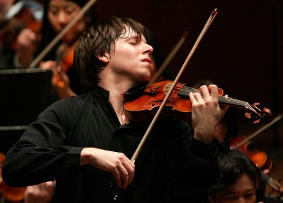 Violinist and conductor Joshua Bell (photo by Chris Lee)