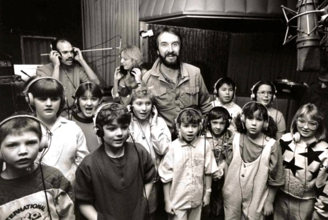 Penner in a Winnipeg recording studio with kids in 1988 (photo by Wayne Glowacki, courtesy of Fred Penner)