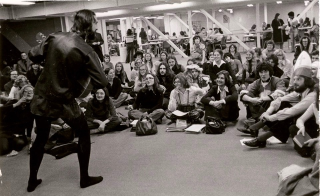 Penner performing at the University of Winnipeg in 1969 (photo courtesy of Fred Penner)