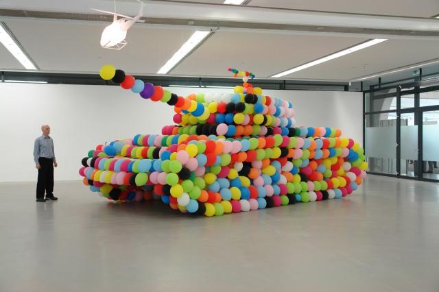 """german panther"" (2007), latex balloons/air/latex glue; 960 x370 x 300 cm, installation view at Städtische Galerie Nordhorn, Germany © Hans Hemmert and VG Bild Kunst"