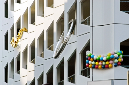 """Jewelry"" (2004) by inges idee, Karlsplatz Parking Garage, Düsseldorf, Germany (photo by Peter Stumpf)"