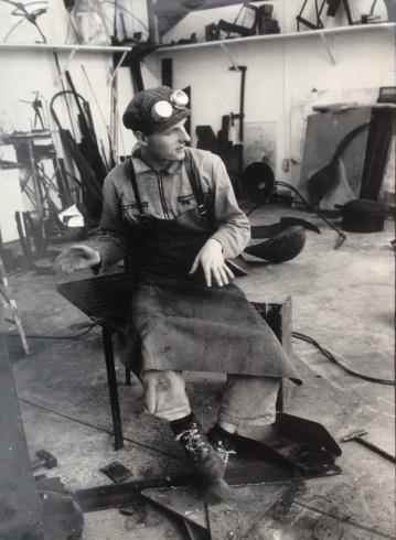 Hans Hemmert as sculpture student in 1986 at Universität der Künste Berlin (photo by Sebastian Kusenberg)