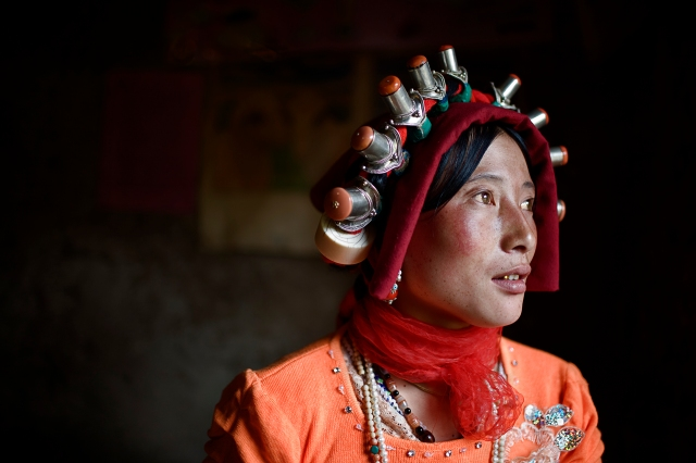 Pretty Woman, Kham, Tibet, 2007 (photo © Camille Seaman)