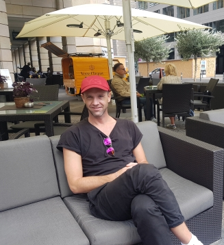 Jefta van Dinther on Sept. 5, 2019 at the Relish Restaurant in Berlin following his interview with Artsmania (photo by Anita Malhotra)
