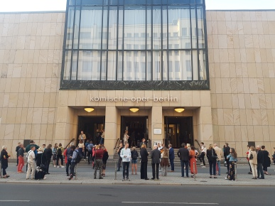 "People assembled in front of the Komische Oper before the Berlin Premiere of ""Plateau Effect"" on Sept. 6, 2019 (photo by Anita Malhotra)"